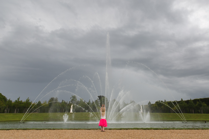 nicolaberry_wk26_Dancing in the Rain_Versailles_France