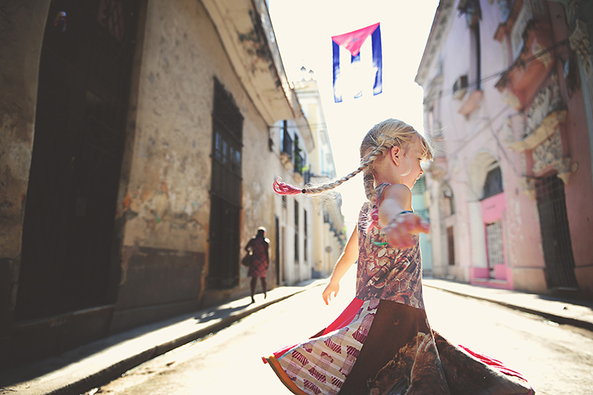 WYWH-Kirsty-Larmour-Week-42-dancing-in-the-street_havana_cuba