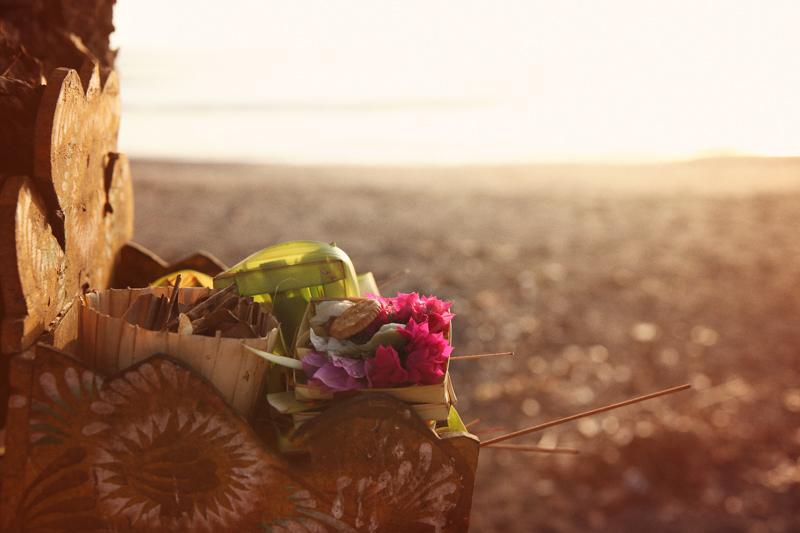 WYWH_Rowe-Timson_Week-46_Offerings_Balian-Beach_Bali