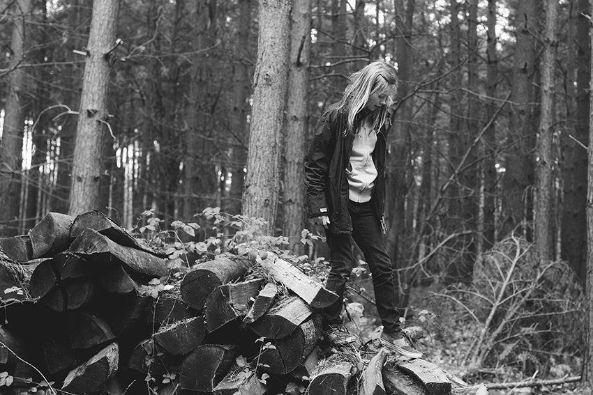lililove-log-pile-england