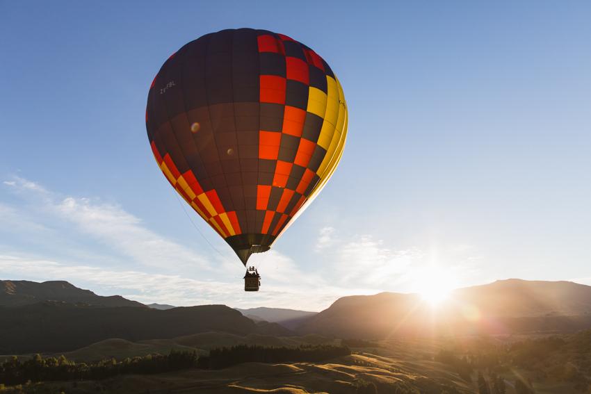 nicolaberry_wk14_Sunrise Balloon Ride, Queenstown, New Zealand