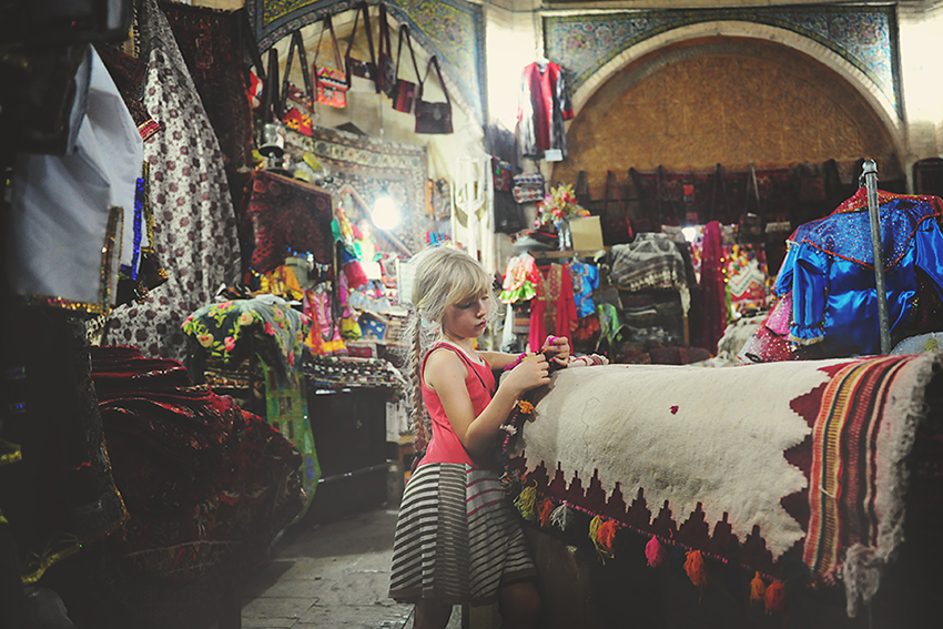 06-Kirsty Larmour Week 36_in the bazaar_Iran