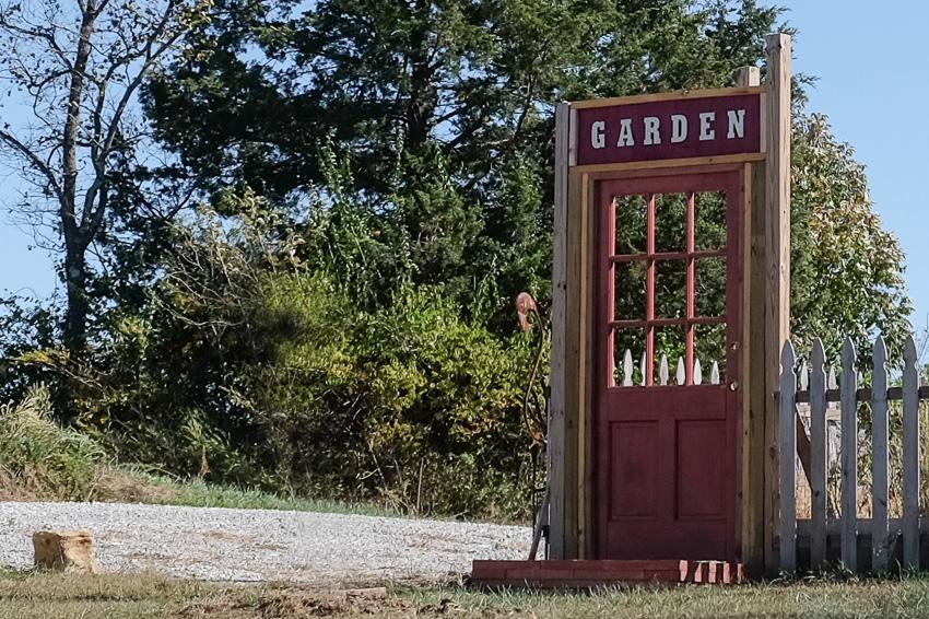 40-kaypickens-Garden-MO-
