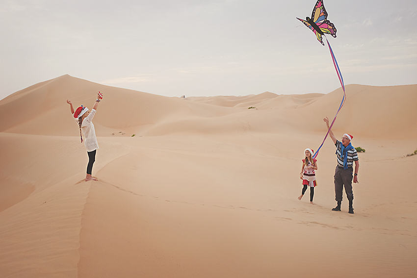 Kirsty Larmour Week 51_santas in the desert_Abu Dhabi