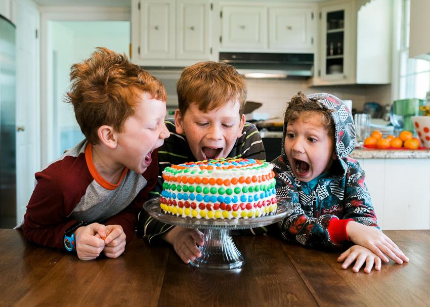 jenc_m&m piñata cake