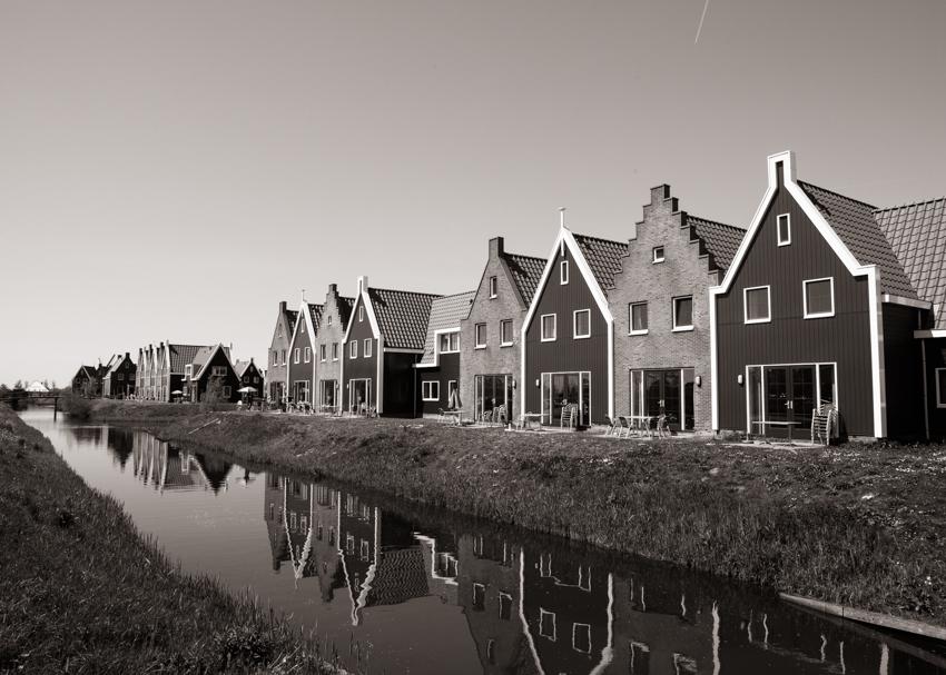 JaroszKristine18_Modern Canal Houses_Volendam_The Netherlands