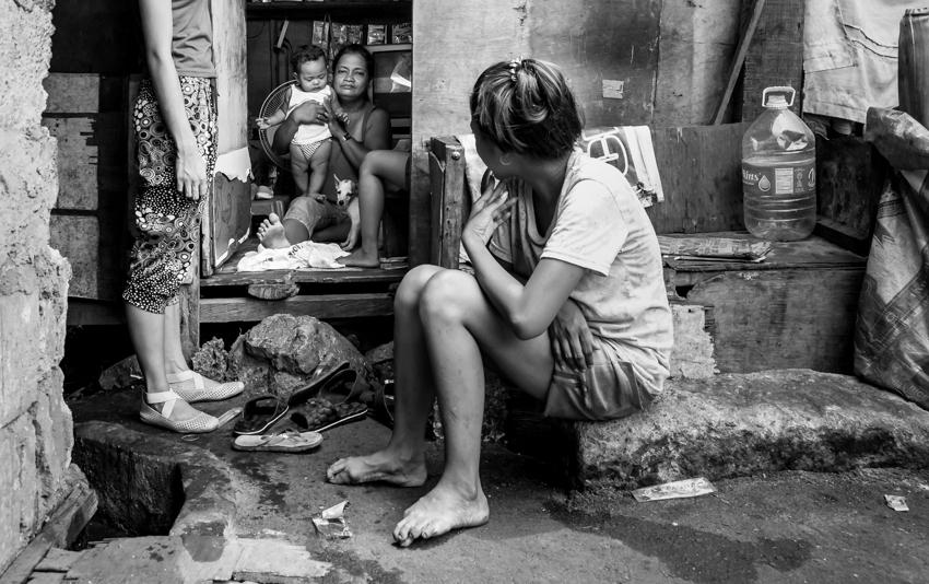 Kim Bracken_Three Generations Tondo_Philippines (1 of 1)