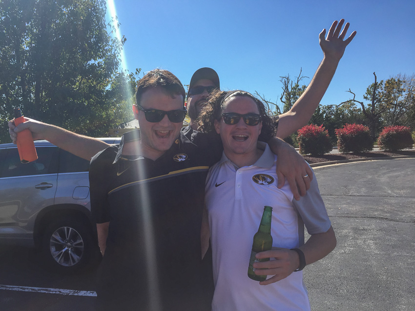 44-kaypickens-brothers-tailgating-mo-6704