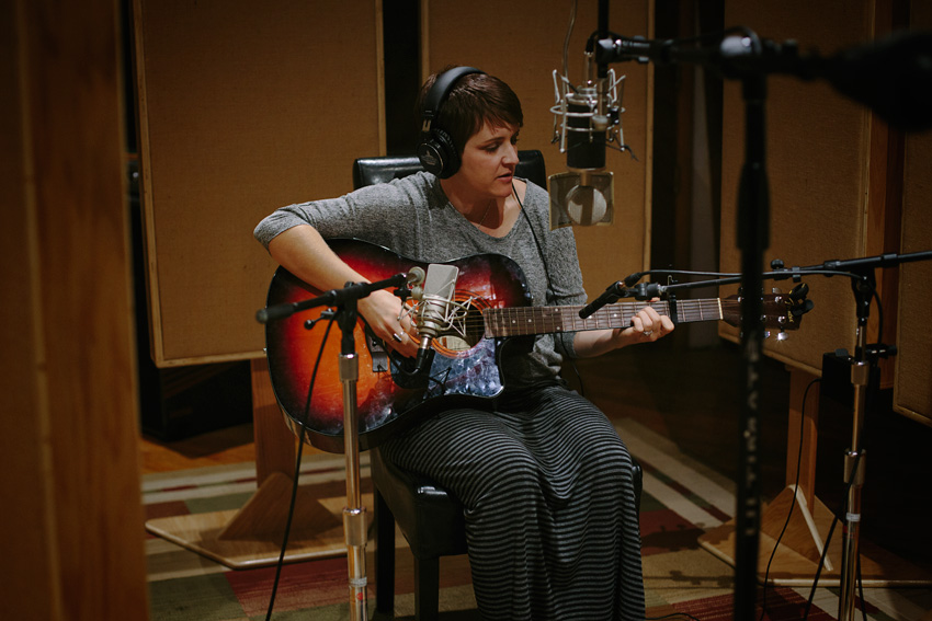 amanda-odonoughue-laying-down-tracks