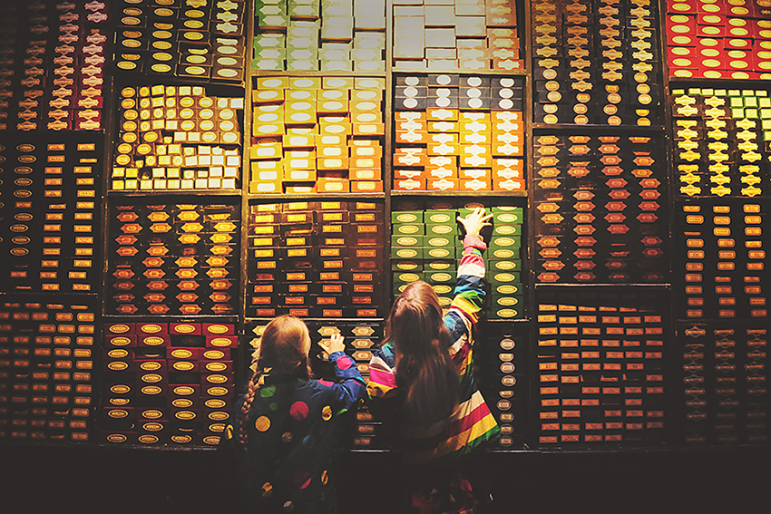 Kirsty Larmour_finding their wands_Harry Potter Studios_London_week01