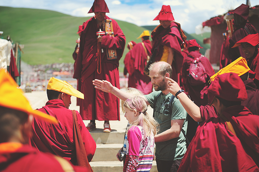 Kirsty Larmour_getting directions_Kham_Tibet_week 36