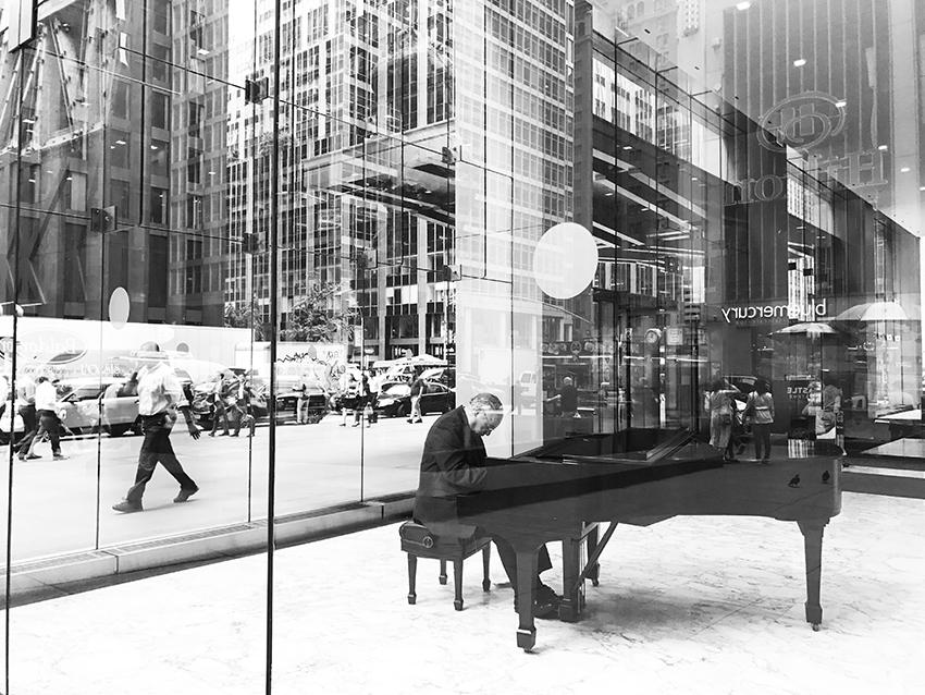 colleen_putman_piano_man_manhattan